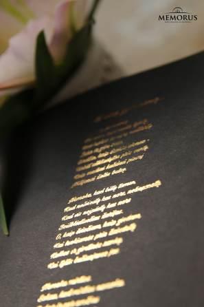 Atminimo žodžiai ant vardinio laidotuvių atminimo nuotraukų albumo knygos