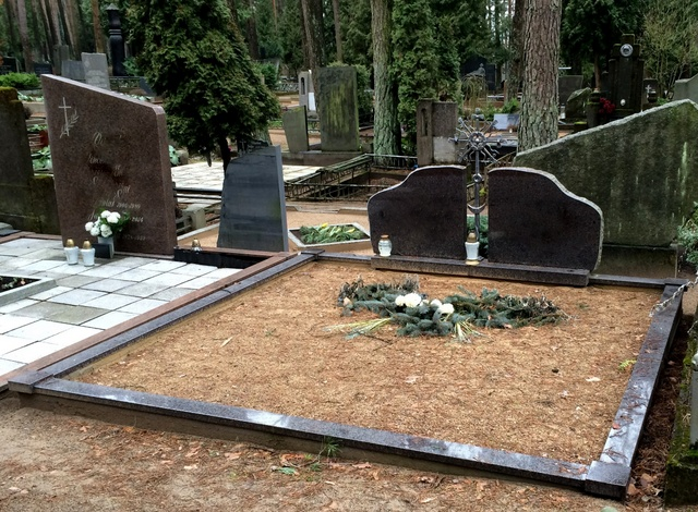 Kapavietės nuotrauka prieš kapo įrengimą Vilniaus rajone