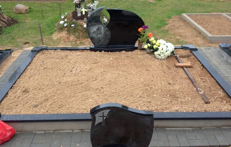 Kapo nuotrauka prieš kapų tvarkymą ir kapavietės įrengimą Ukmergėje