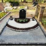 kapo tvarkymas su sviesia ir pilka skaldele, dekoruota zibintais