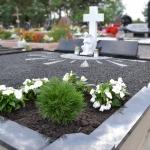 Kapų apželdinimas ir kapų dekoravimas gėlėmis Vilniuje