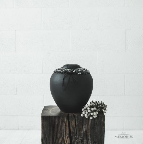 klasikinė urna dekoruota su stiklu