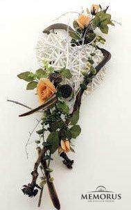 Ryški dirbtinių gėlių kompozicija laidotuvėms