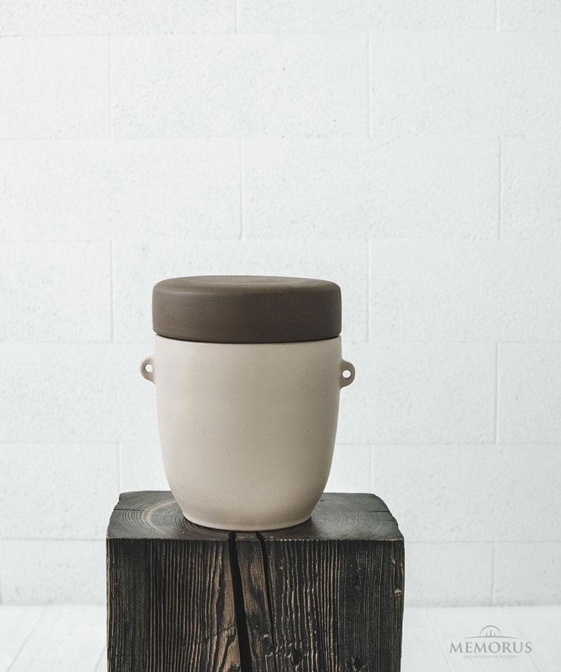 urna-rudos-ir-kremines-spalvos-derinys