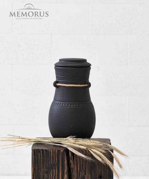 baltisko-stiliaus-juoda-matine-keramikos-urna-patulas