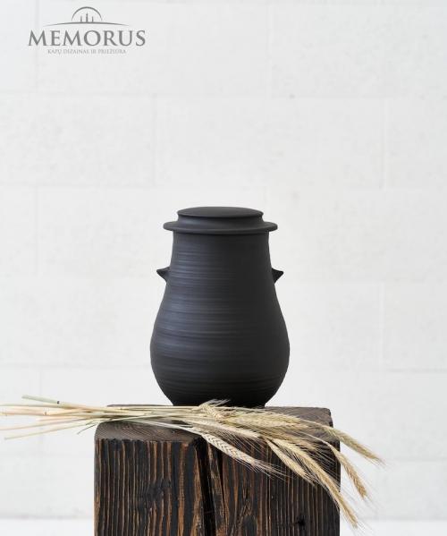 baltisko-stiliaus-juoda-matine-kremavimo-urna-praamzius