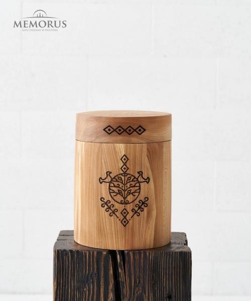 baltisko stiliaus medine kremavimo urna