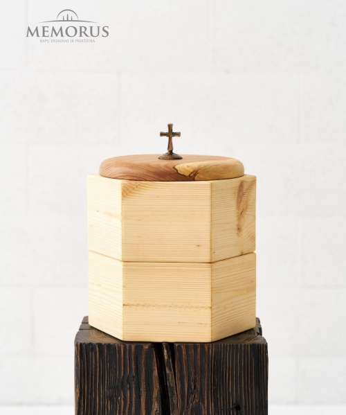 sviesi medine kremavimo urna