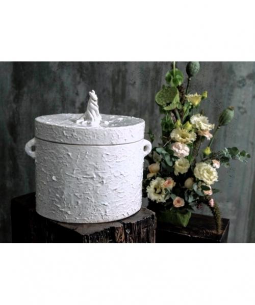 kremavimo urna bellus su fakturiniu pavirsiumi