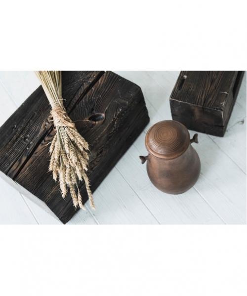 ruda senovinio stiliaus kremavimo urna avitus