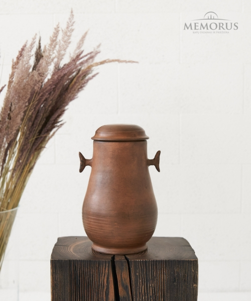 senovine kremavimo urna rudos spalvos