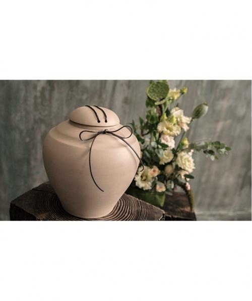 rusva kremavimo urna fabrila su odiniu dirzeliu