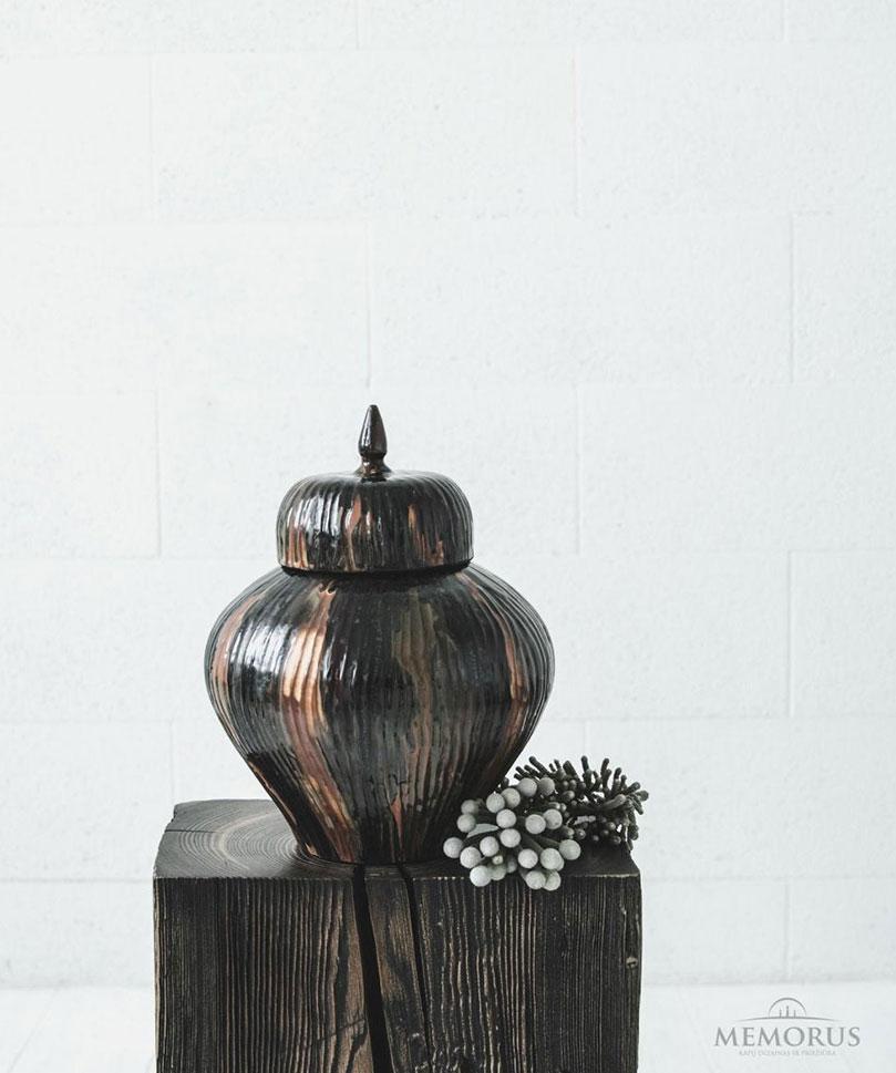 urna Adore