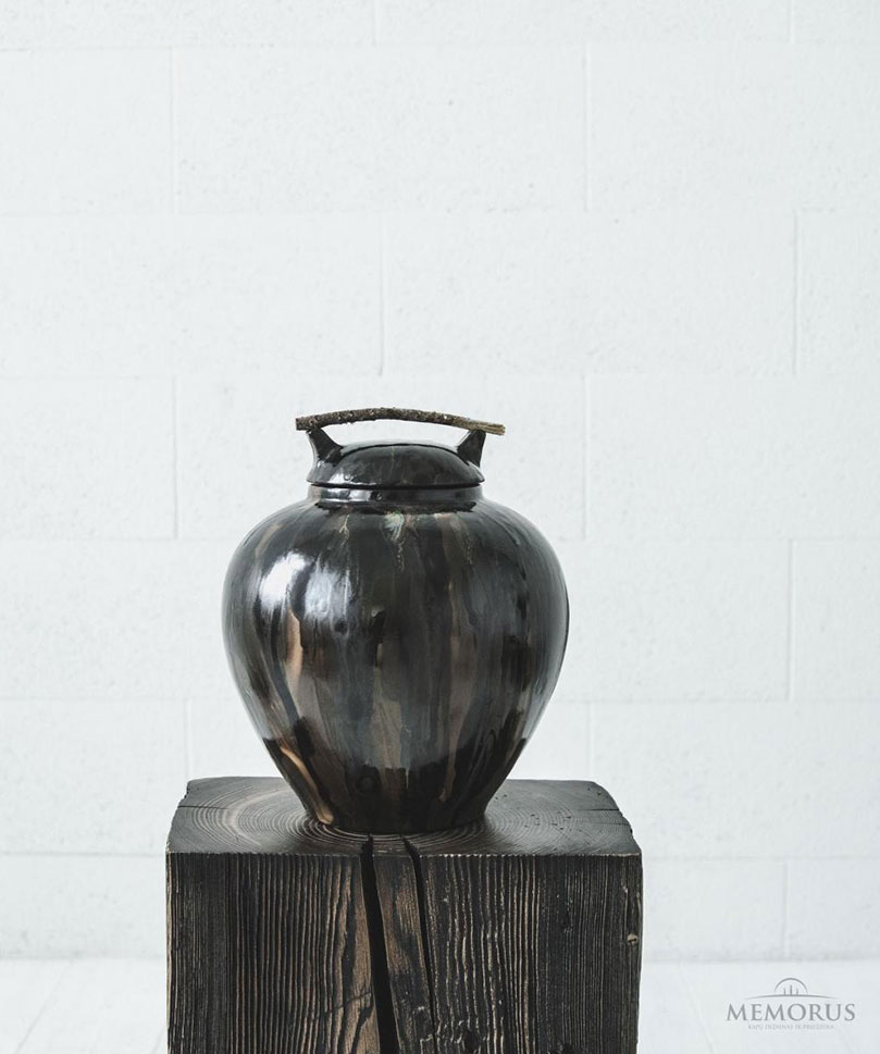 urna Acanthus