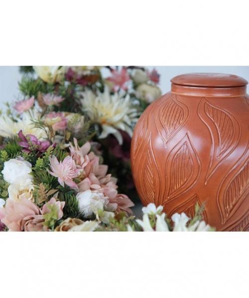 sviesiai ruda Laurea kremavimo urna su lapais