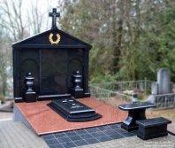 Didelis antkapis paminklas kapui