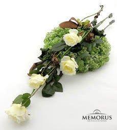 Baltos dirbtinės gėlės laidotuvėms
