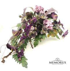 Dirbtinės violetinių gėlių šakelės laidotuvėms